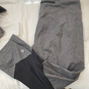 Lulu Lemon Grey Cropped Athletic Leggings - size10